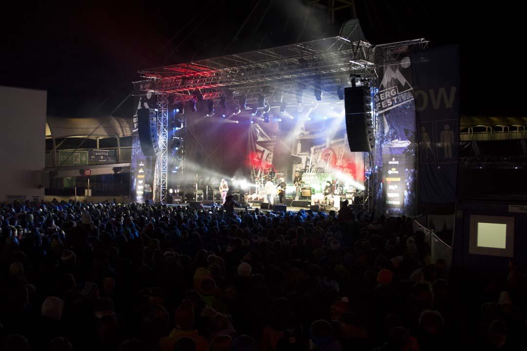 bergfestival-saalbach-wenn-der-schnee-droehnt-ein-festivalreview-von-den-heavymaedels