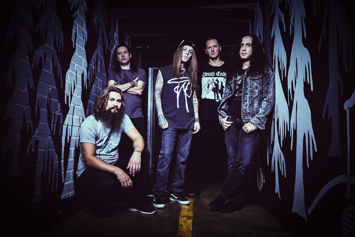 children-of-bodom-neues-video-online-under-grass-and-clover