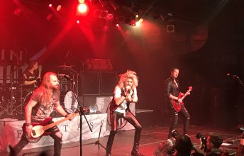 kissin_dynamite-_backstage