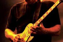 die-teuerste-gitarre-der-welt-verkauft-fuer-fast-4-mio-dollar