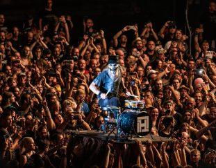 """Überraschender Charterfolg für Hämatom mit dem Akustik-Album """"Berlin"""". Schlagzeuger Süd im Interview über Hintergründe und Entstehungsgeschichte"""