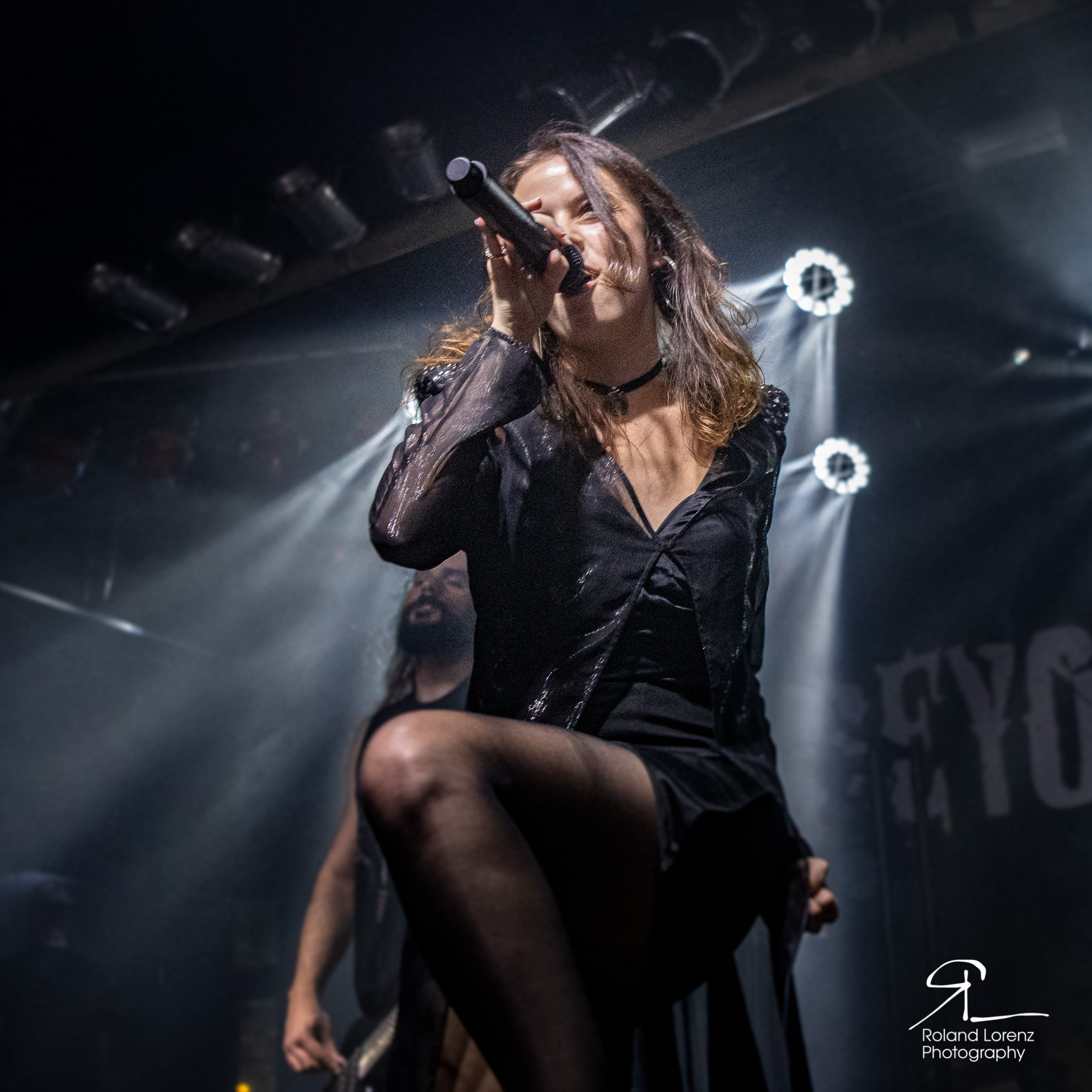beyond-the-black-im-backstage-in-muenchen-ein-foto-review