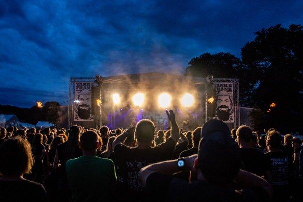 monasteria-rock-festival-im-muensterland-jetzt-tickets-sichern-und-festival-unterstuetzen