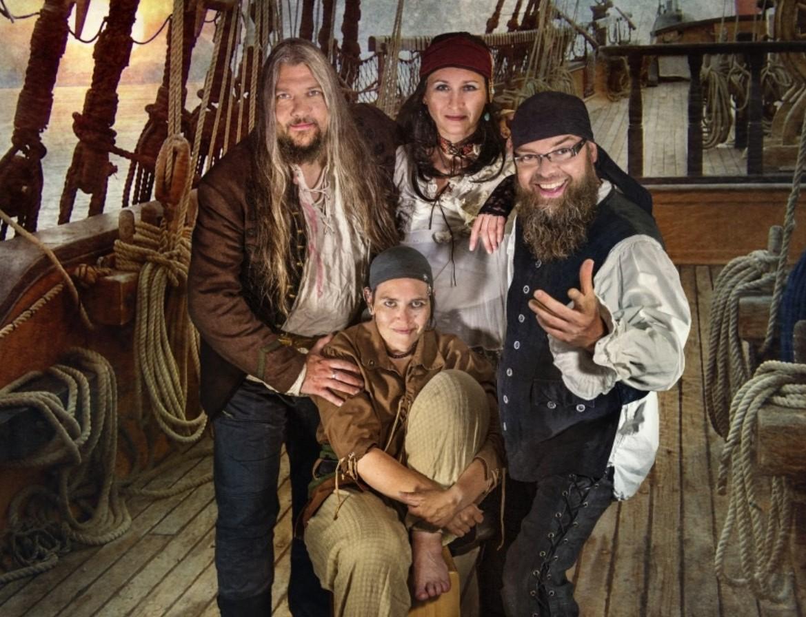 cat-onine-piratenfolk-aus-dem-ruhrgebiet-interview-mit-sascha-und-kathrin-kaeufer