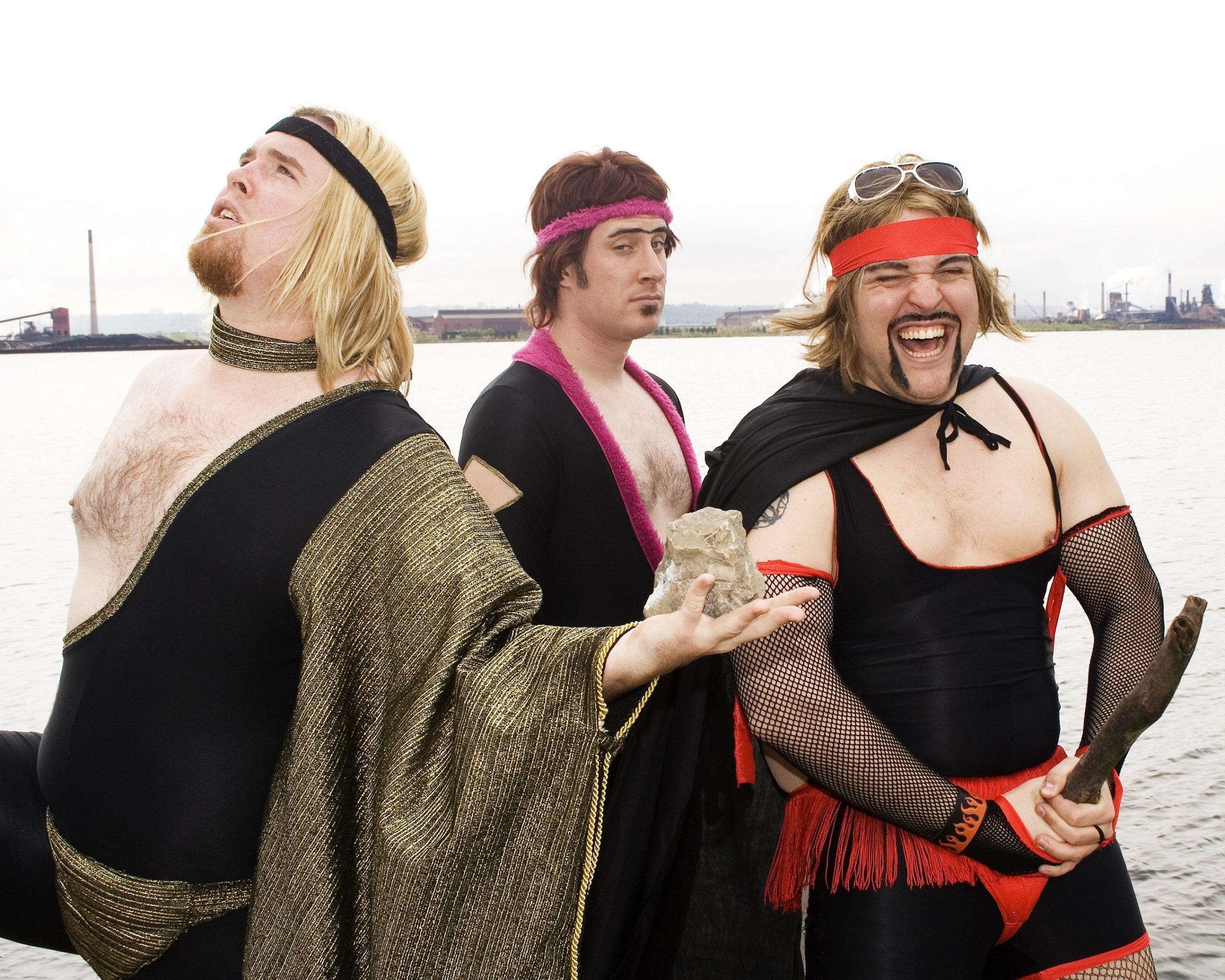 comedic-rock-act-sons-of-butcher-teilen-covid-19-music-video-quaranteen