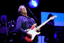 eric-clapton-veroeffentlicht-highlights-seines-crossroads-guitar-festivals-in-2019