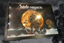 amon-amarth-erhalten-goldauszeichung-fuer-jomsviking-und-veroeffentlichen-neues-video
