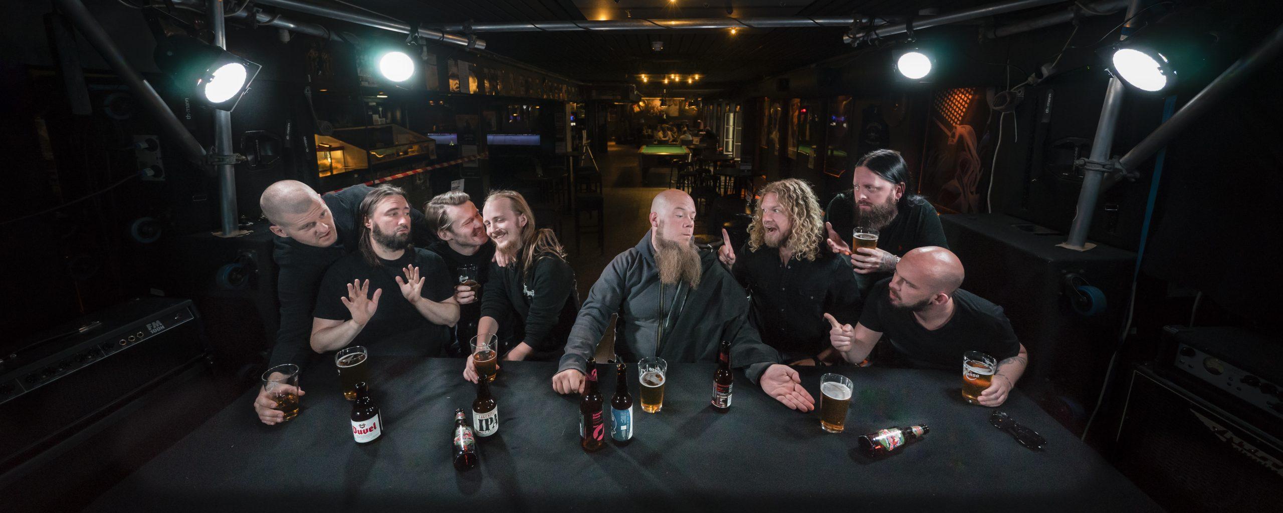 trollfest-verwandeln-energiegeladene-hits-in-puren-norwegischen-balkan-metal-k-a-o-s-mit-happy-heroes