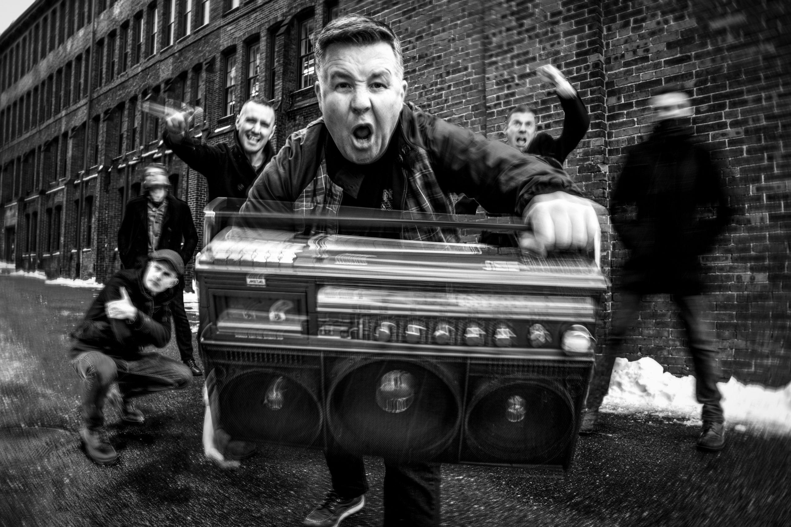 dropkick-murphys-mit-neuem-album-turn-up-that-dial-im-fruehjahr-2022-auf-tour-in-deutschland-vorverkauf-startet-am-05-05-21-um-10-00-uhr