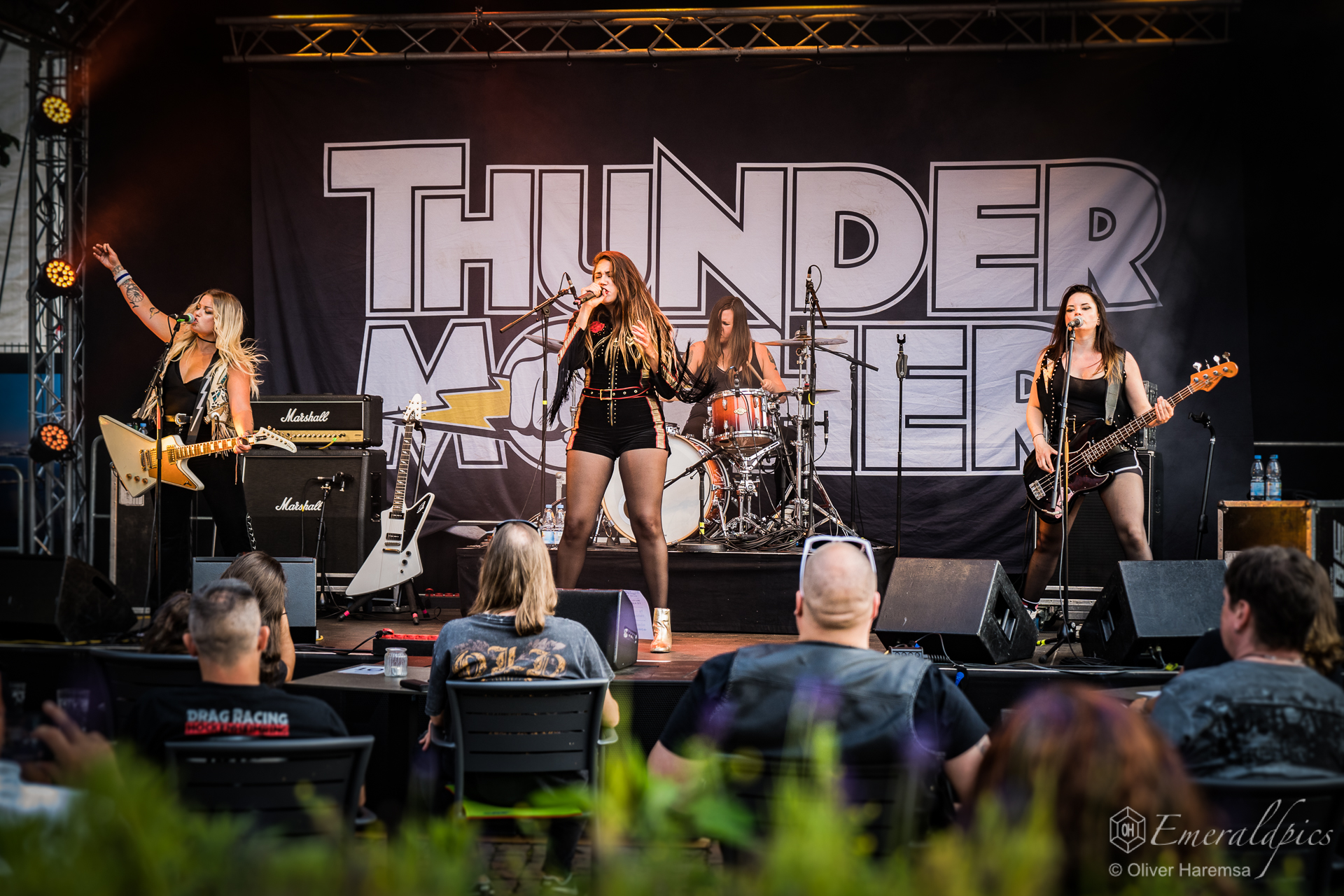 endlich-wieder-livemusik-in-the-real-world-review-zum-thundermother-gig-in-kaiserslautern